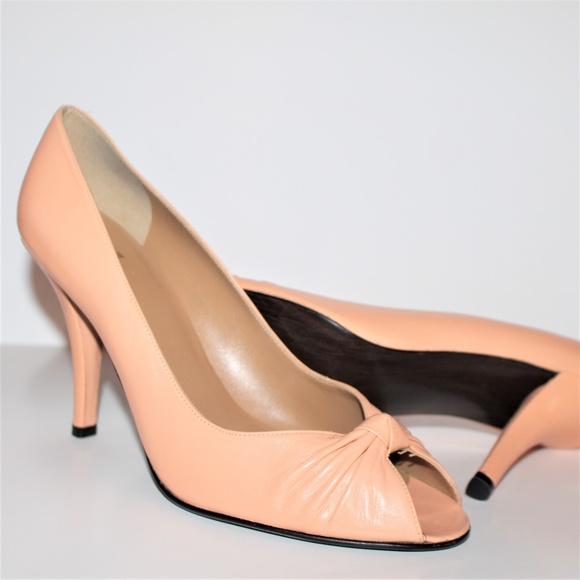 Stuart Weitzman Shoes - STUART WEITZMAN HEELS GENTLY USED 9 peach color